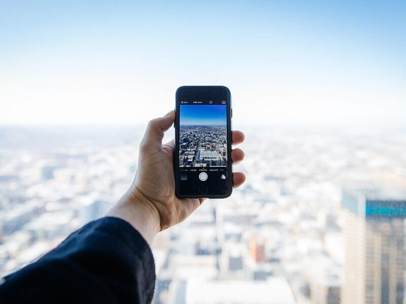 robienie zdjęcia za pomocą aplikacji Instagram