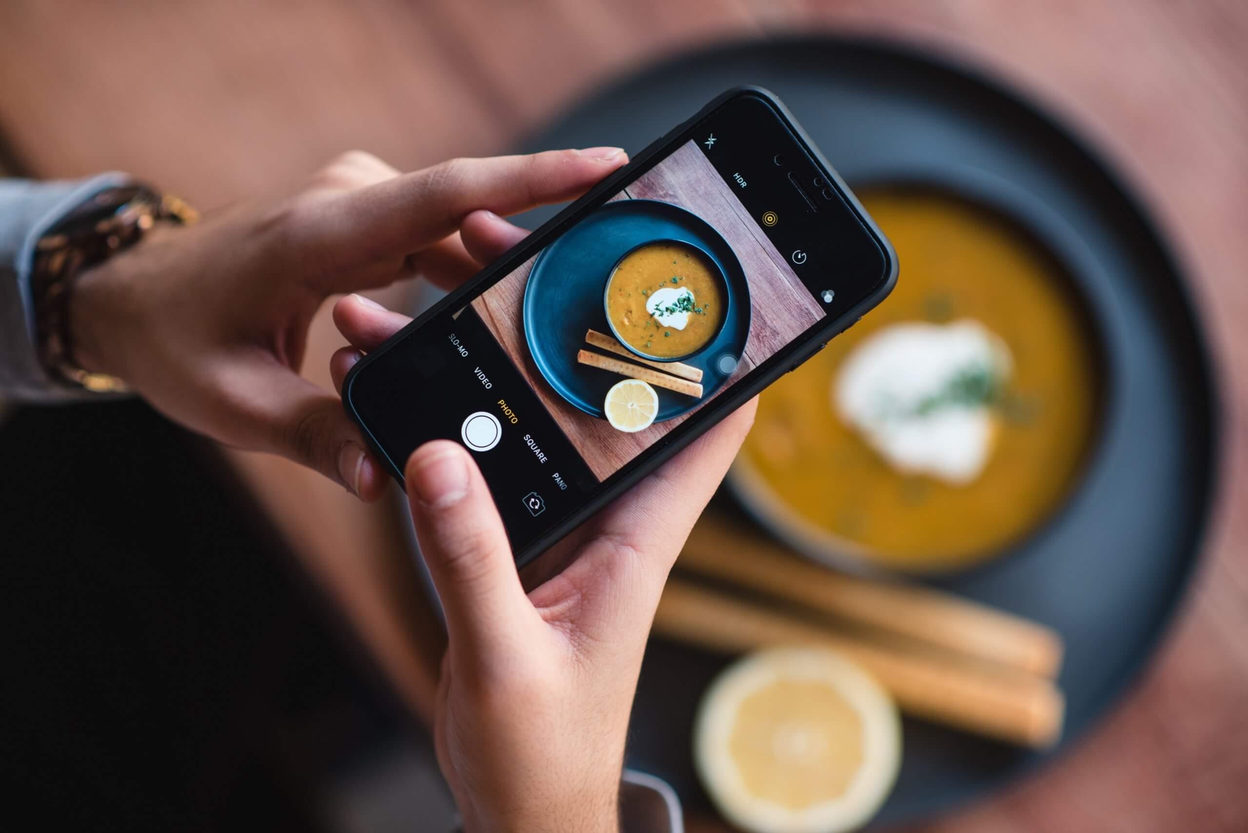fotografowanie potrawy smartfonem